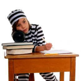Povinná školská dochádzka je vlastne nútená indoktrinácia